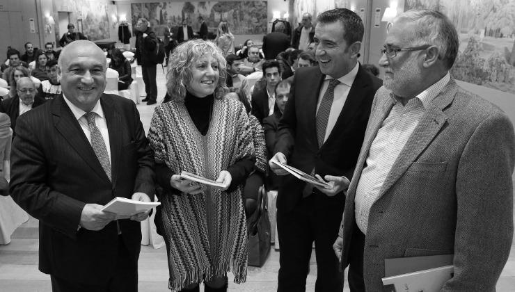 vicepresidenta_libro_miguel_rio