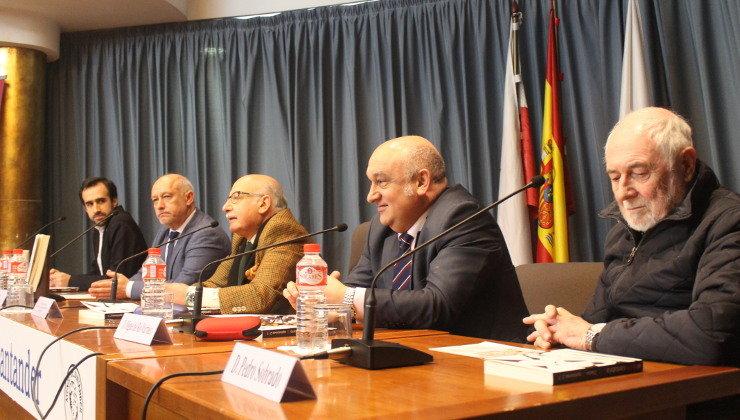 """Gran presentacion en el Ateneo de Santander del libro """"Diario de Opiniones"""" con la presencia de numerosos Picks"""